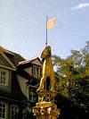 goldenestatue.jpg